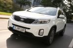 Car specs and fuel consumption for Kia Sorento 3- series