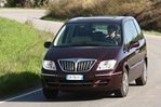 Car specs and fuel consumption for Lancia Phedra Phedra