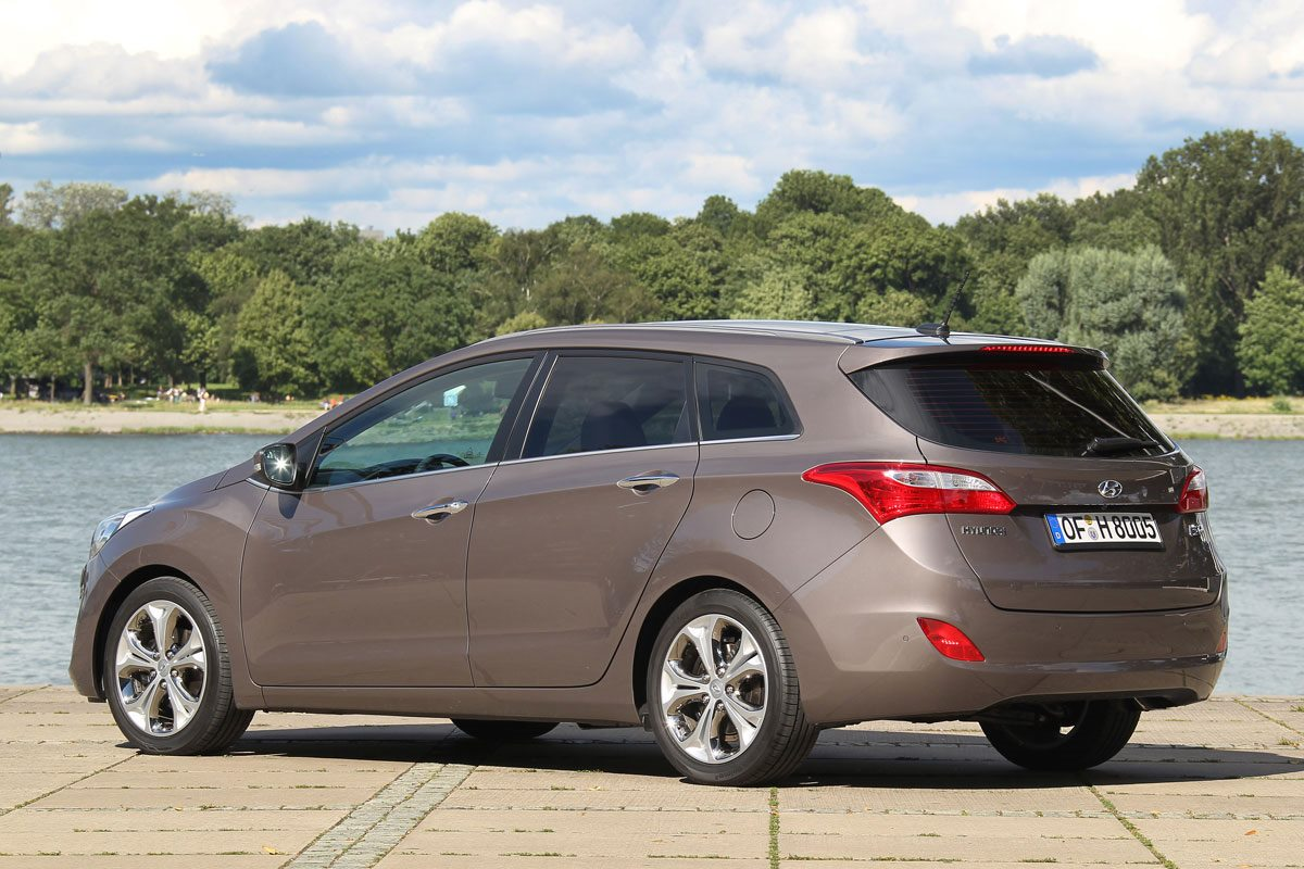 hyundai i30 2 series stationwagon wagon 1 6 crdi. Black Bedroom Furniture Sets. Home Design Ideas