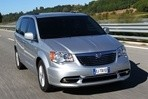 Car specs and fuel consumption for Lancia Voyager